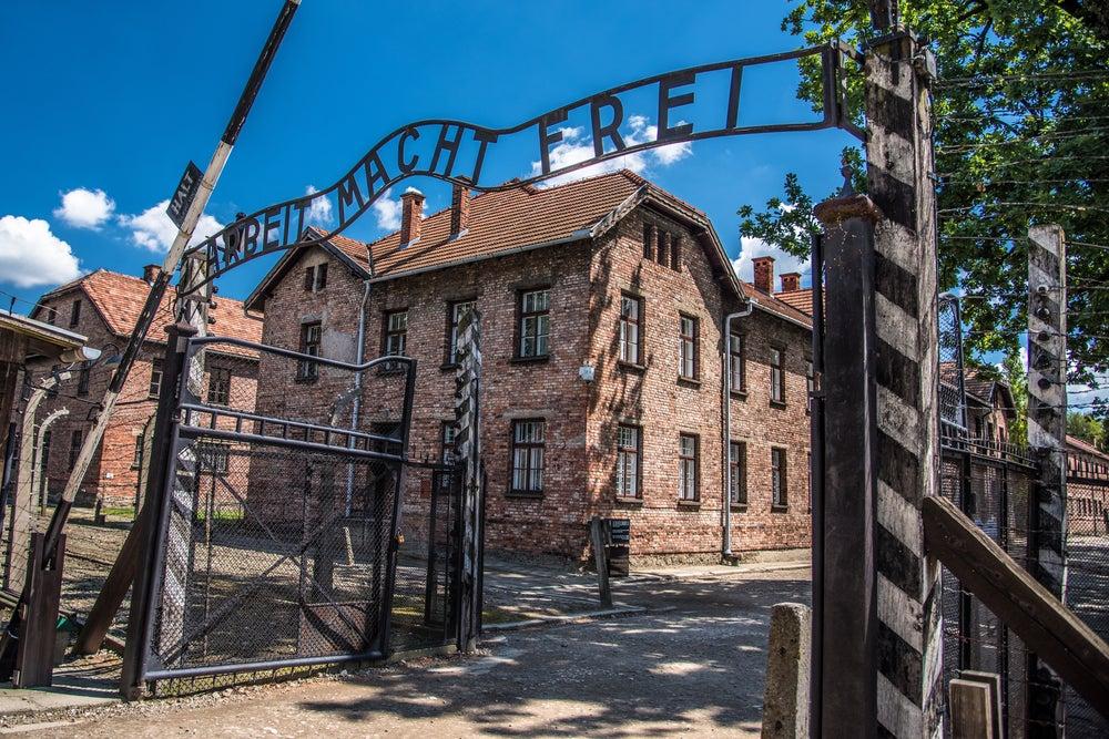 Entrada del campo Auschwitz-Birkenau