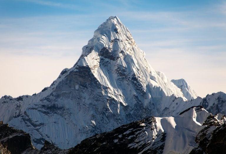 Visita el Everest, la montaña más alta del mundo
