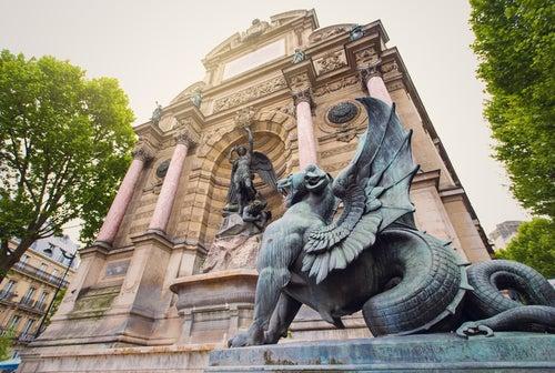 Fuente de Saint Miche, una de las fuentes más bonitas de París