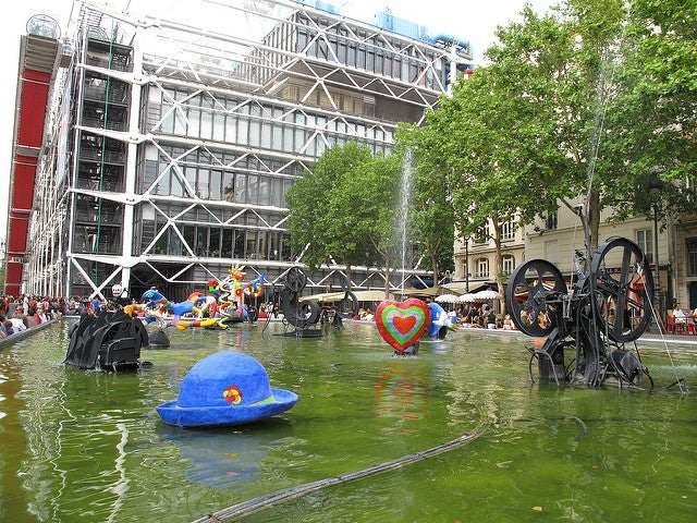 Fuente Stracinski una de las fuentes más bonitas de París