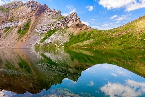 Ibón Asnos en Pirineos