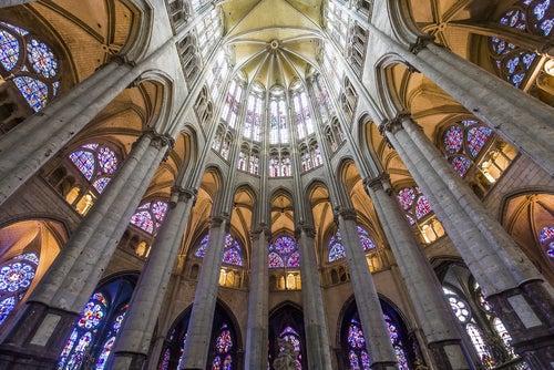 Interior de la catedral de San Pedro de Beauvais