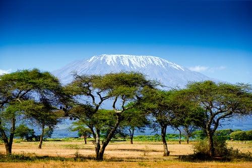 Monte Kilimanjaro en Kenia uno de los países de África