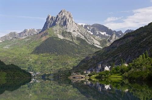 Lanuza en los Pirineos