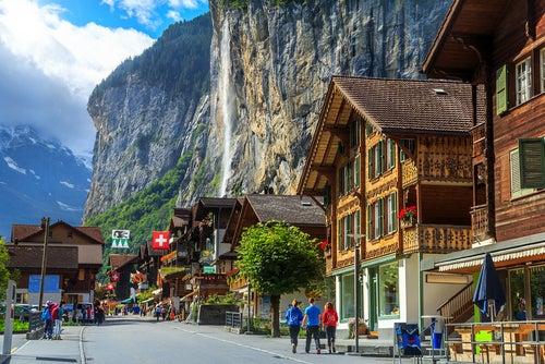 Lauterbrunnen uno delos lugares que al viajar a Suiza