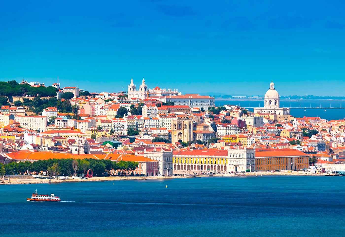 Visitar Lisboa, vista desde el Tajo
