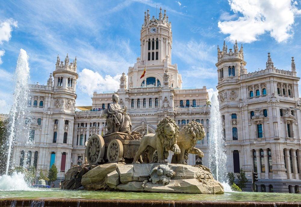 Ciudades con encanto en España: la Cibeles en Madrid