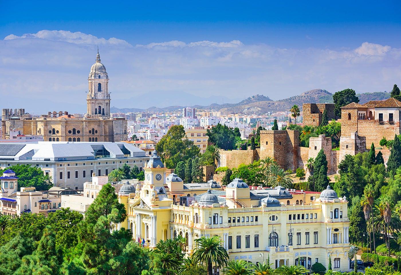 La capital de la Costa del Sol, qué ver y hacer en Málaga