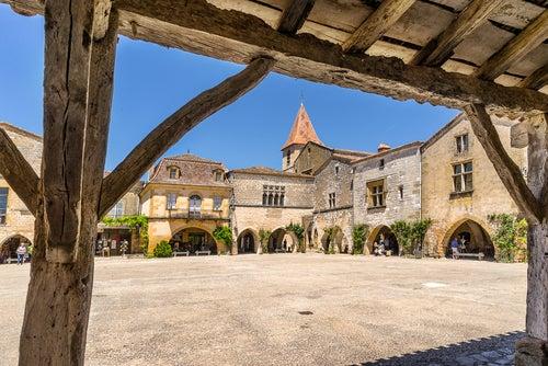 Monpazier, uno de los pueblos medievales de Francia