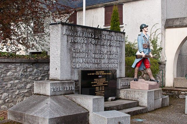 Monumento a los caídos en Saint Lary