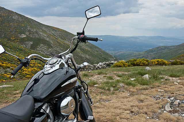 Anímate a descubrir las mejores rutas en moto por España
