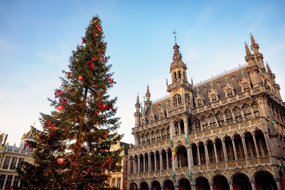 Viajar a Bruselas en Navidad, ciudad decorada