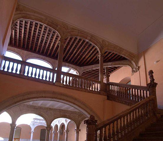 Escalinata del Palacio de Dueñas