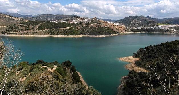 Playas de agua dulce: pantano de Iznájar