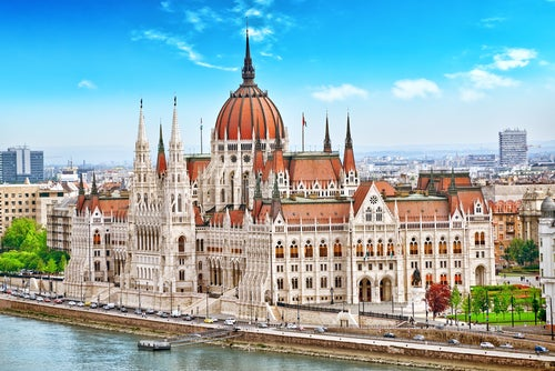 PArlamento, uno de los monumentos que visitar en Budapest