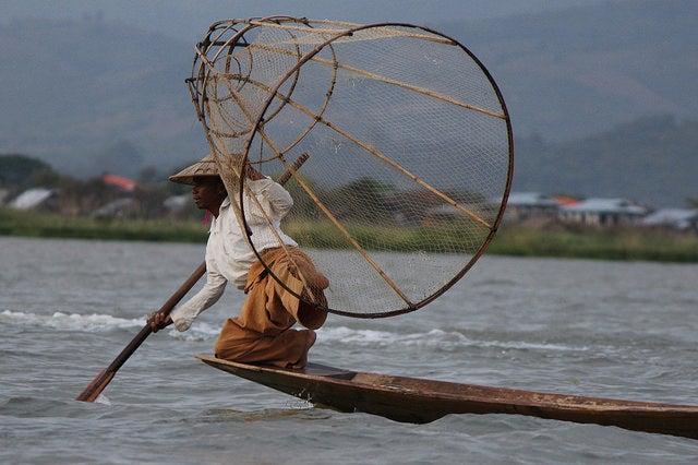 Pescador del lago Inle en Myanmar