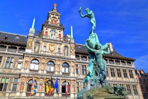 Ayuntamiento, una de las cosas que ver en Amberes