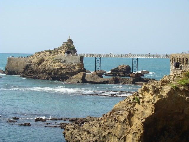 Rocher de la Vierge, una de las cosas que ver en Biarritz