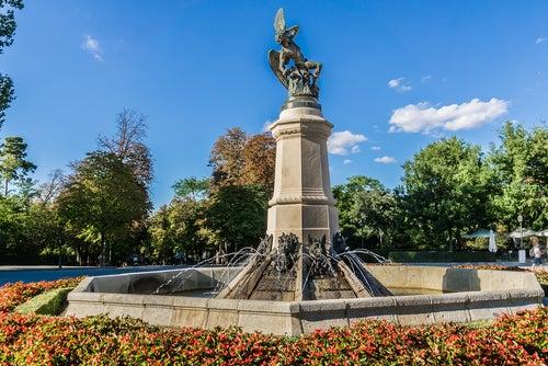 Estatua del Ángel Caído en el Retiro de Madrid