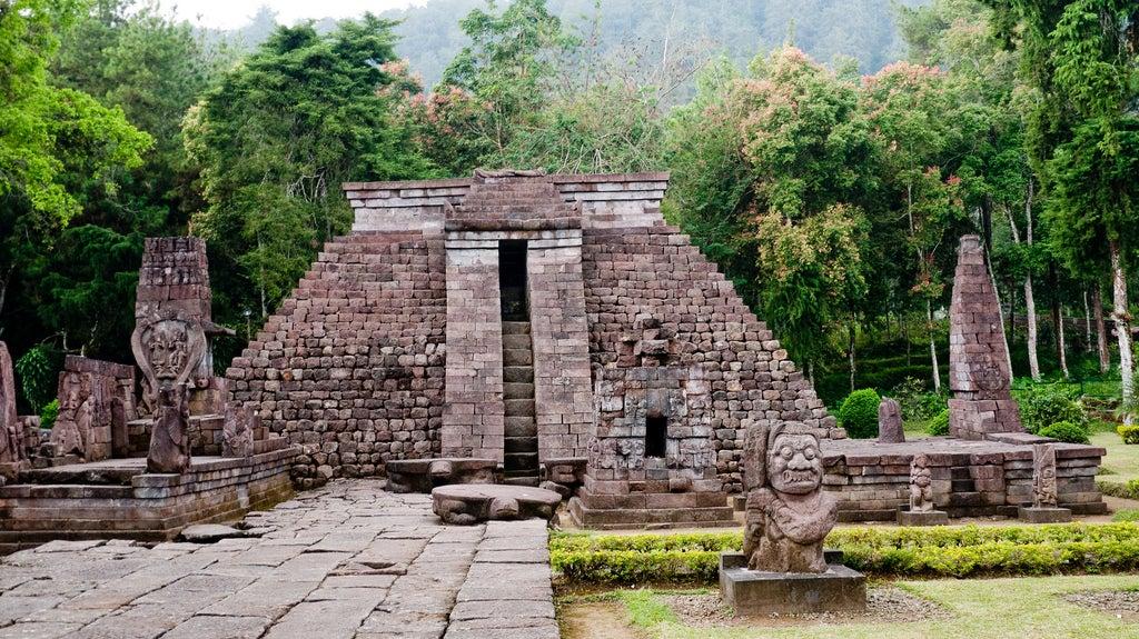Pirámides de Candi Sukuh