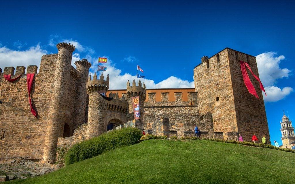 Conoce la historia del castillo de Ponferrada en León