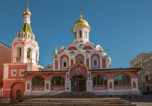 Catedral de Kazan en la Plaza Roja de Moscú