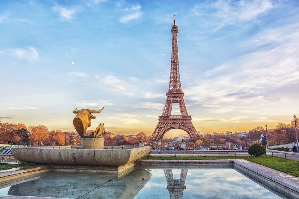 Descubre cómo subir a la Torre Eiffel en París