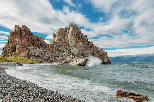 Isla Oljon en el lago Baikal en Rusia
