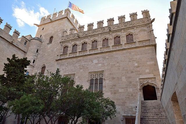 Conoce la Lonja de la Seda en Valencia, un edificio magnífico