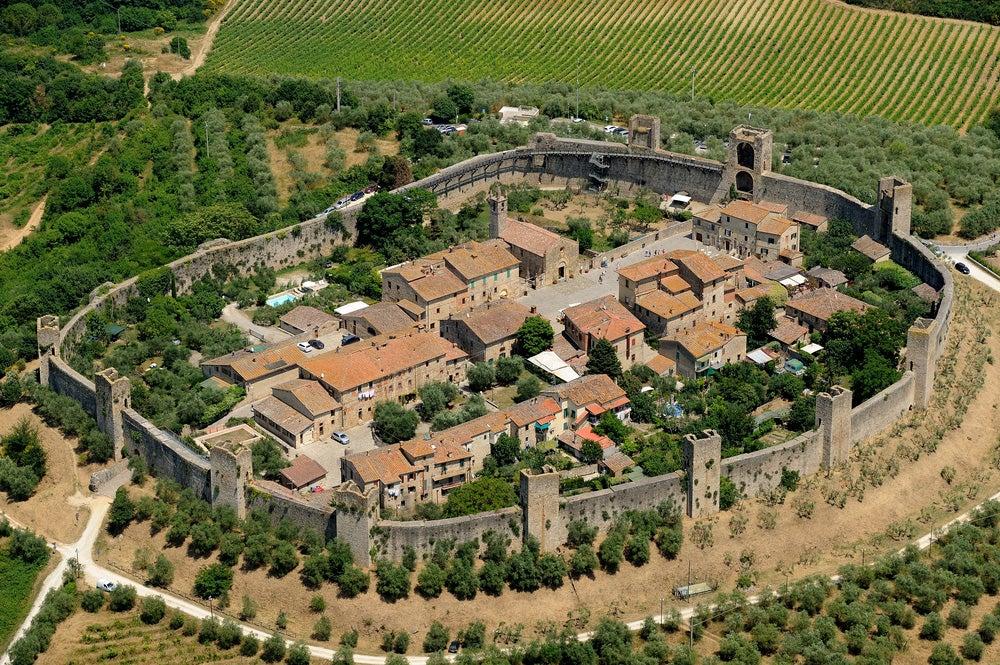 Monteriggioni en la ruta en coche por la Toscana