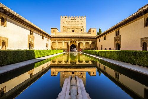 Patio en la Alhambra de Granada