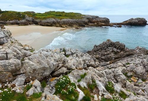 Playa de la Huelga en Llanes