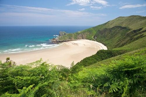 Playa de Torimbia en Llanes