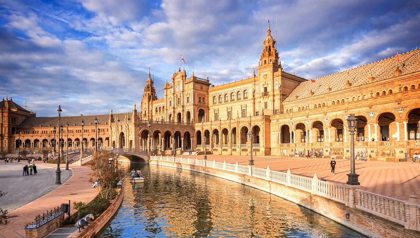 Plaza de España, una de las cosas que ver gratis en Sevilla