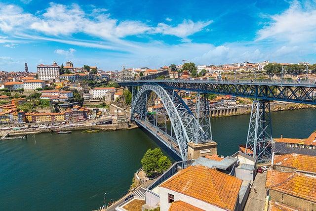 Puente Don Luis I en la ciudad de Oporto