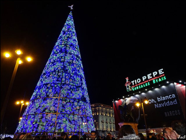 Puerta del sol en Madrid en Navidad