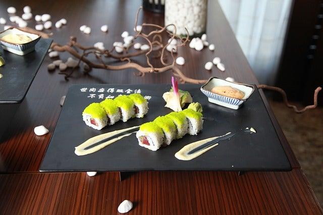Sushi en uno de los restaurantes recomendados de Tokio