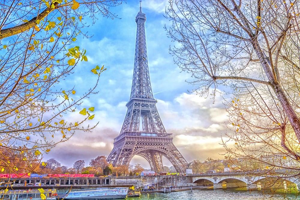 Torre Eiffel, uno de los lugares indispensables de París