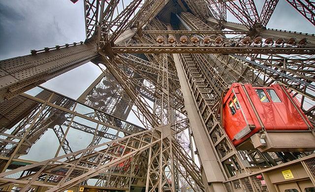 Ascensores para subir a la Torre Eiffel