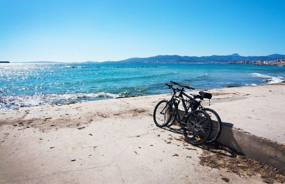 Te enseñamos algunas rutas en bicicleta por el Mediterráneo