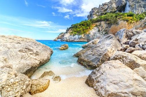 Playas de Cerdeña, cala Goloritze