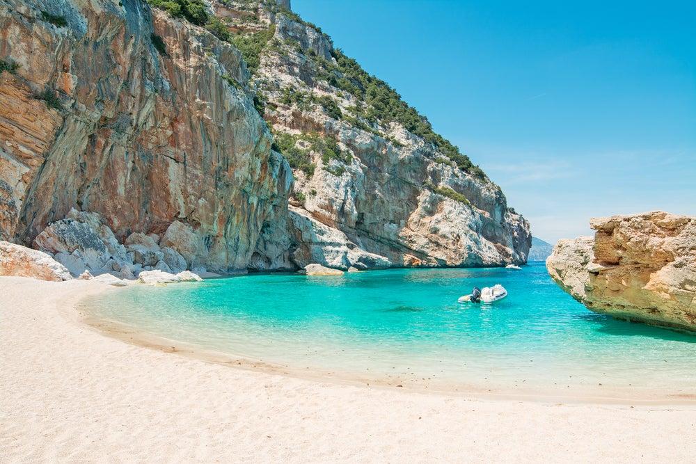 Te llevamos a las mejores playas de Cerdeña