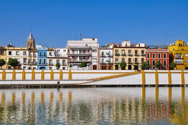 Calle Betis de Sevilla, una de las calles españolas más bonitas