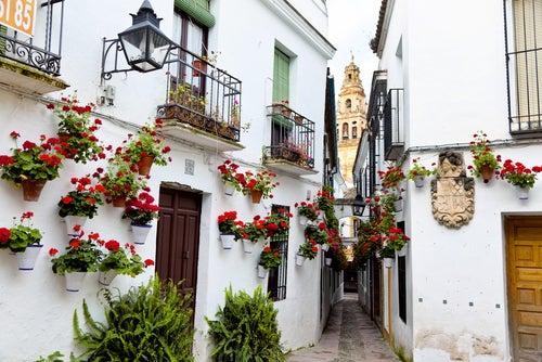Calles españolas más bonitas, calleja de las Flores en Córdoba