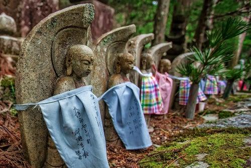 Cementerios increíbles, Okunoin