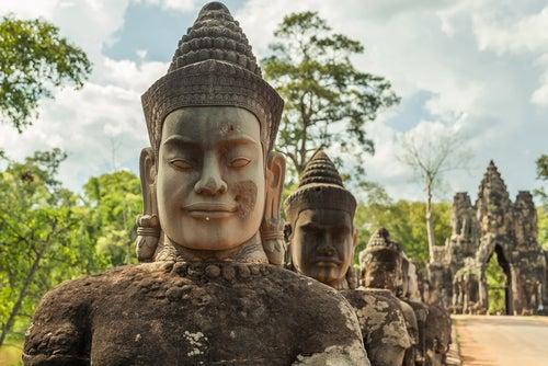 Esculturas en Angkor Wat