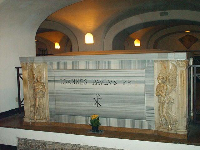 Tumba de Juan Pablo I en el Vaticano