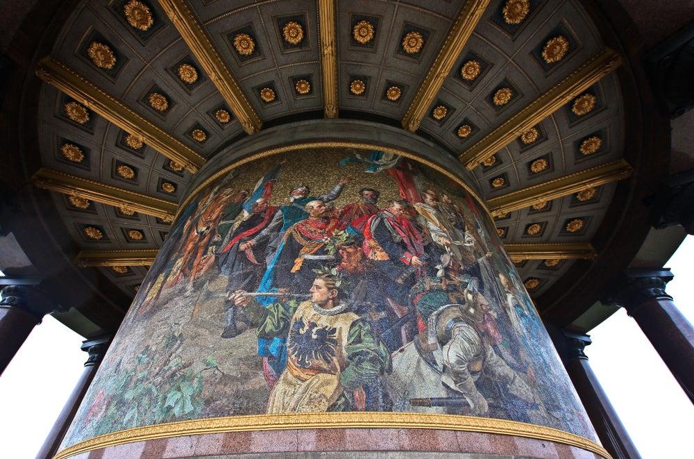 Interior de la columna de la Victoria