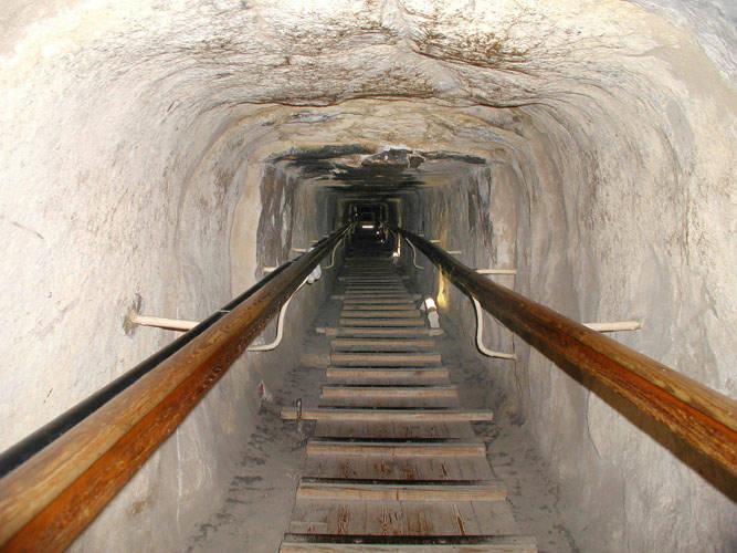 Interior de la pirámide de Guiza
