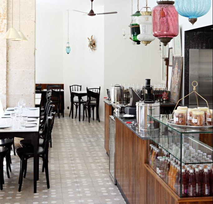 Restaurante MG para comer cerda dela catedral de Notre Dame